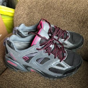 Columbia hiking shoes size 6 black, grey, and pink